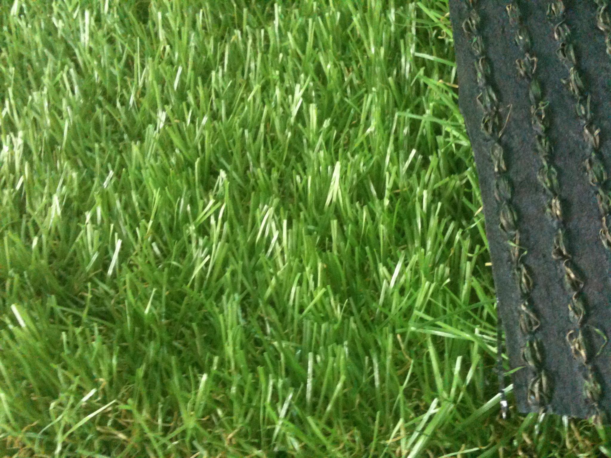 Cung cấp cỏ nhân tạo sân bóng, sân vườn, sân golf giá rẻ.